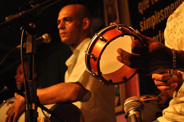 Fotos |  Festa de aniversário com samba rock no Bar Mangueira