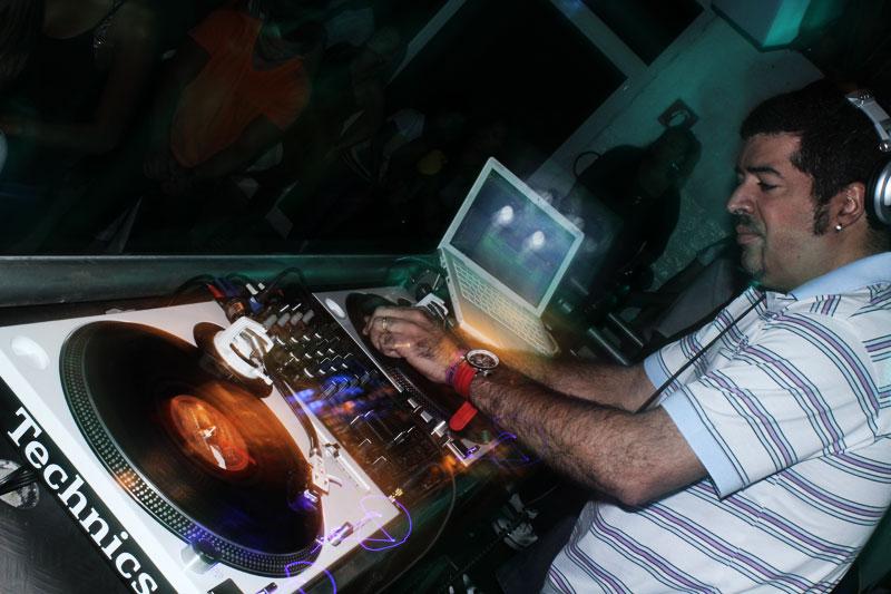 DJ's | Saiba mais sobre a trajetória do DJ Hum