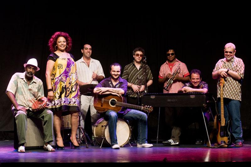 Clube do Balanço e Simoninha no CCJ