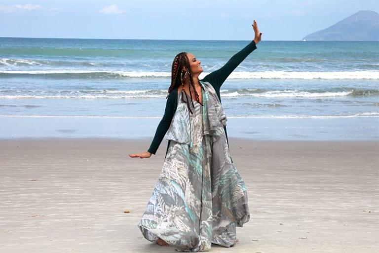 Auditório Ibirapuera recebe Luciana Mello e seu novo álbum