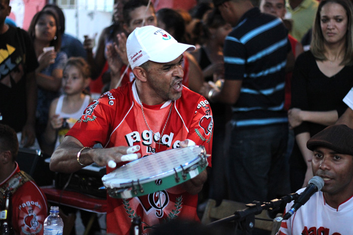 Fotos | Primeira roda de samba do ano no Pagode da 27