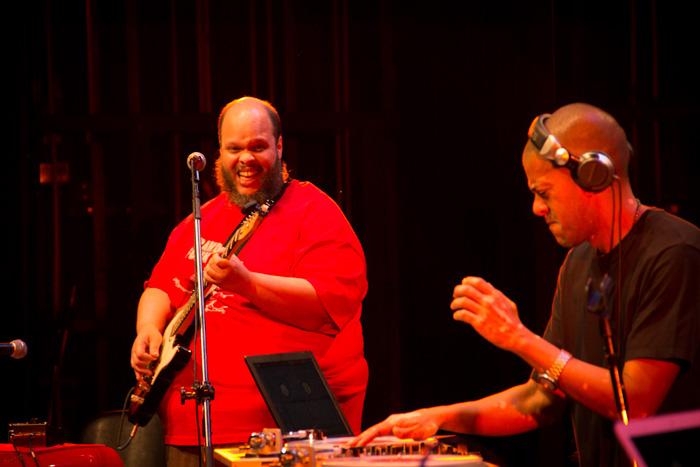 Fotos | Música sem Fronteiras com Ully, Ed Motta, KL Jay e DJs