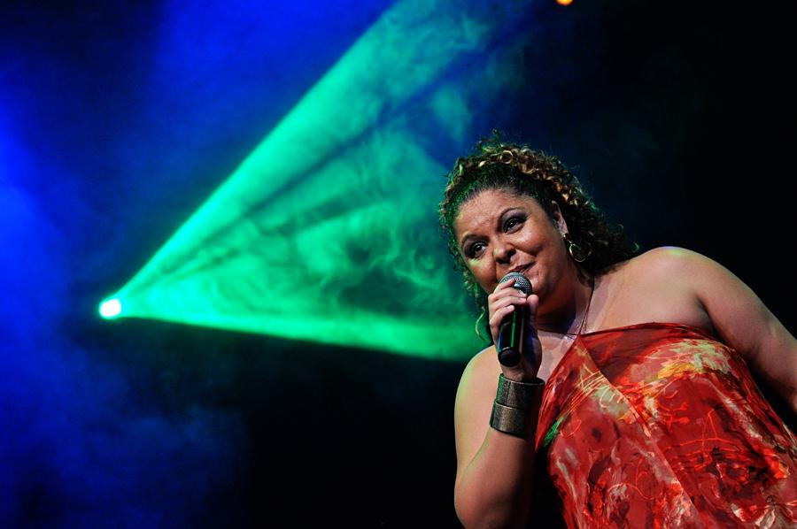 Banda Mantiqueira e Fabiana Cozza em show gratuito na zona sul