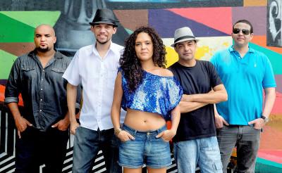 Sandália de Prata leva show Baile Forte ao SESC