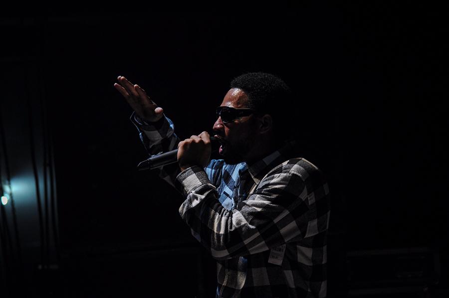 Rapper B. Valente lança novo show com participação de Jimmy Costa