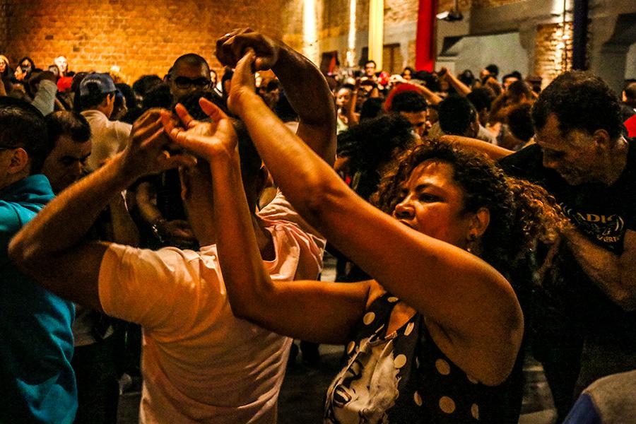 Fotos | Samba Rock Plural na véspera de feriado na Casa das Caldeiras