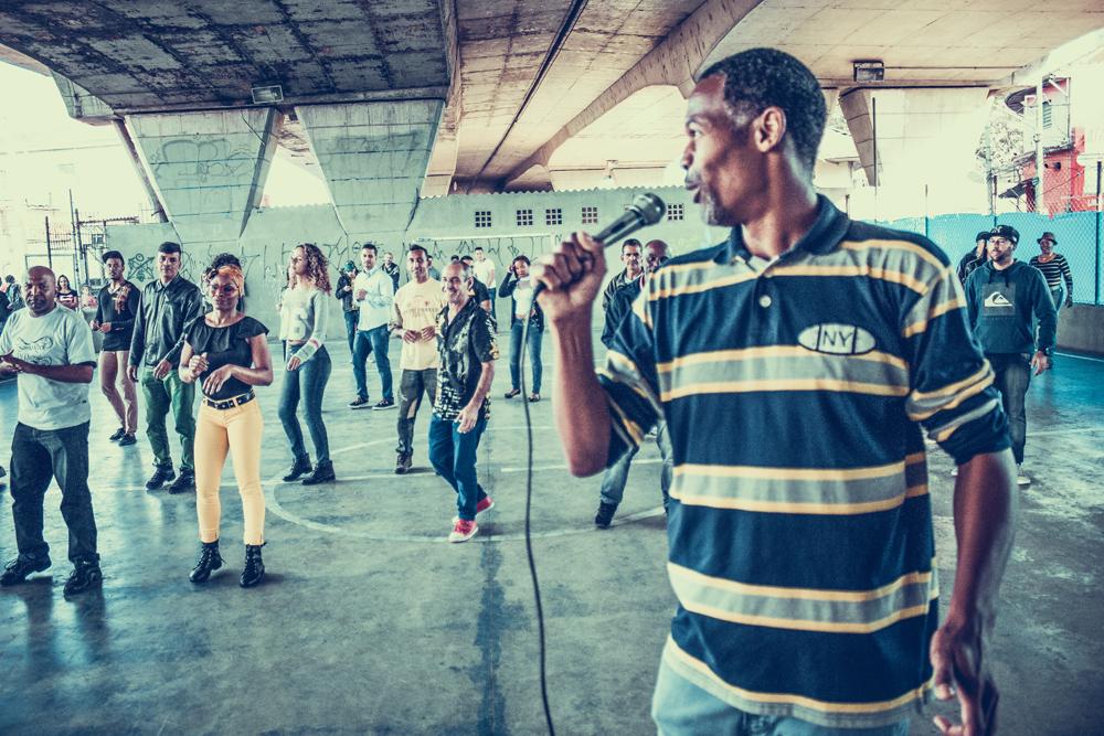 Faça aulas de samba rock com N.E.G.R.O.S. Dançar no centro de SP