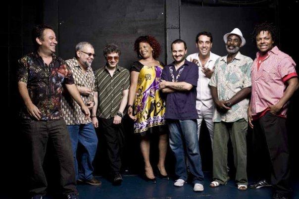 Clube do Balanço se apresenta em show gratuito pelo Festival Vozes no Parque