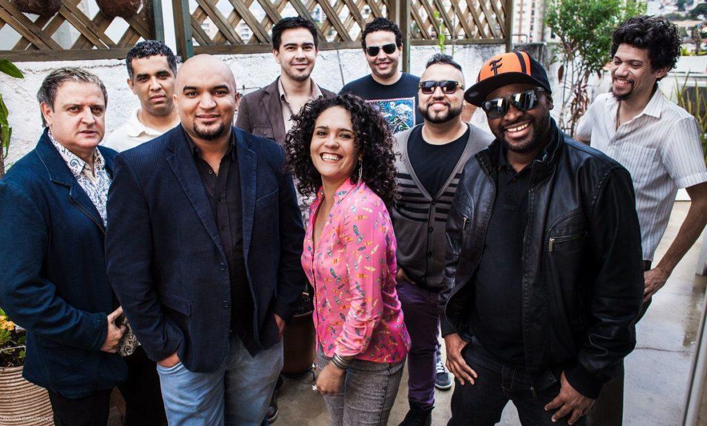 Sandália de Prata faz show no SESC com participações de Edi Rock e Wilson Simoninha